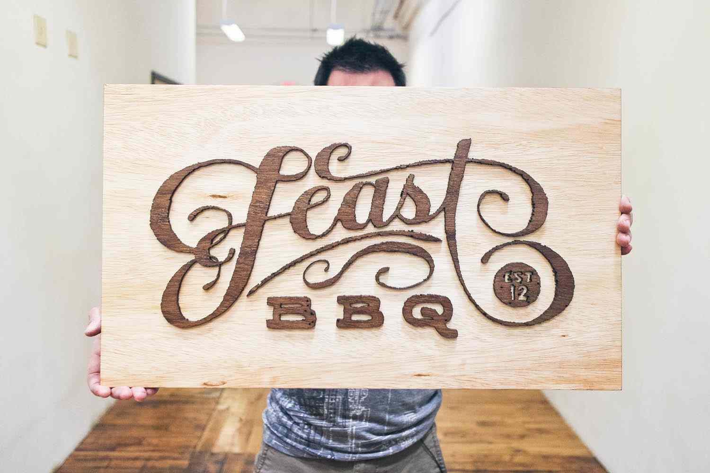 placa branding feast